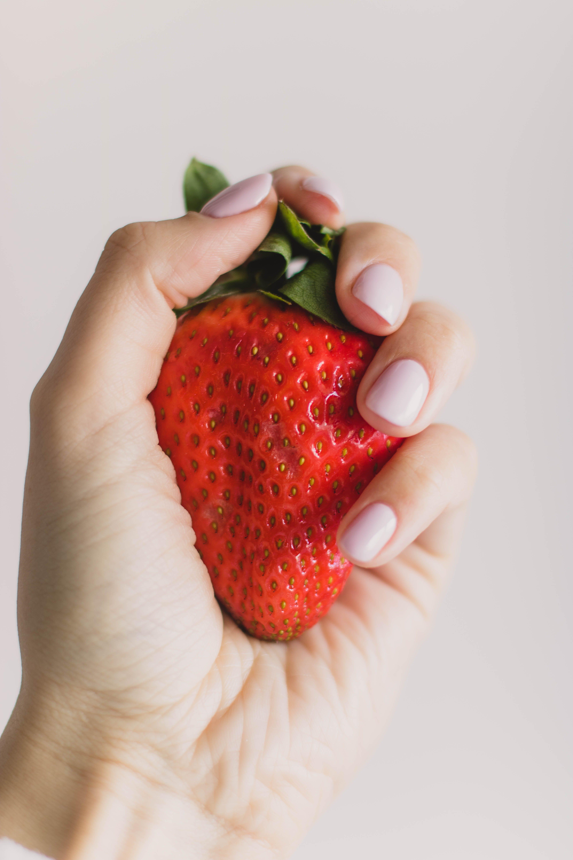 Kostenloses Stock Foto zu beere, erdbeere, essen, farbe