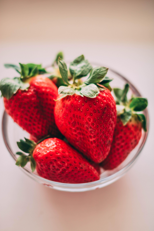 Kostenloses Stock Foto zu beeren, erdbeeren, farben, fokus