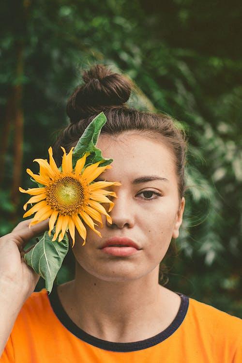 人, 可愛, 向日葵, 夏天 的 免费素材照片