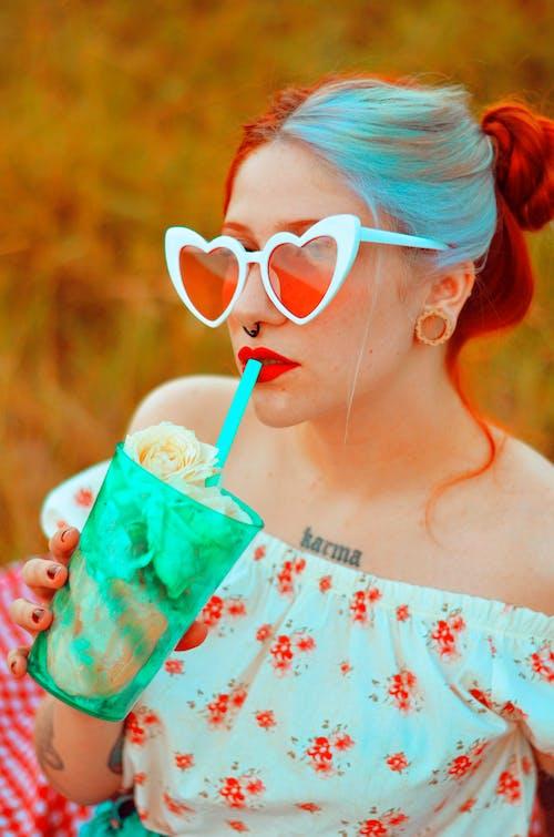 Fotos de stock gratuitas de adulto, alegría, beber, bebiendo