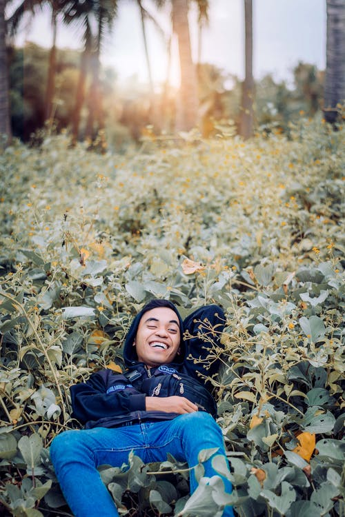 Fotobanka sbezplatnými fotkami na tému les, ležiaci, muž, park