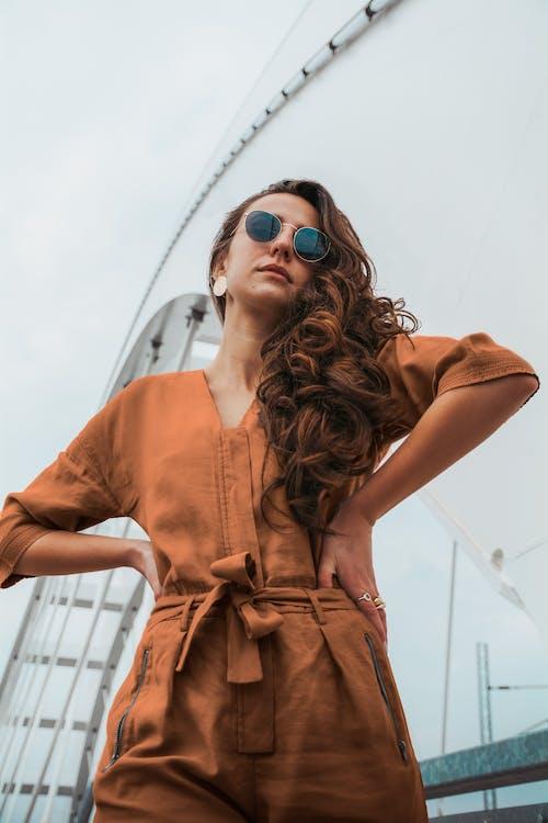 갈색 머리, 모델, 사람, 선글라스의 무료 스톡 사진