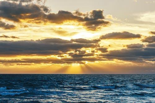 Základová fotografie zdarma na téma lehký, moře, mraky, obloha