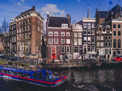 Δωρεάν στοκ φωτογραφιών με amsterdam central, ακτοπλοϊκό σκάφος, Άμστερνταμ, βάρκα