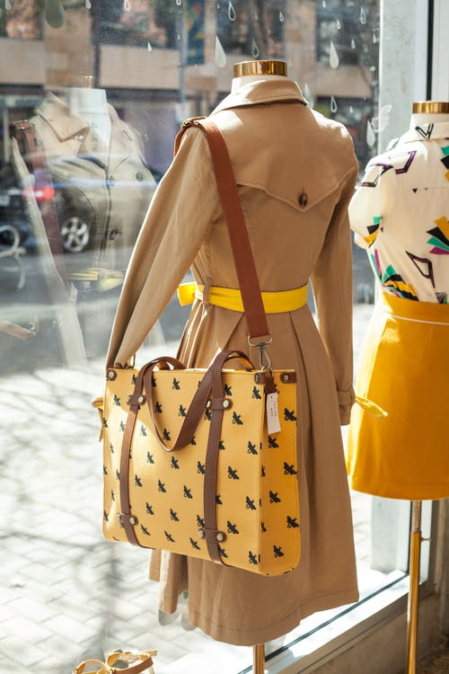 Δωρεάν στοκ φωτογραφιών με δερμάτινη τσάντα, έκπτωση, εμπόρευμα, εμπορεύματα