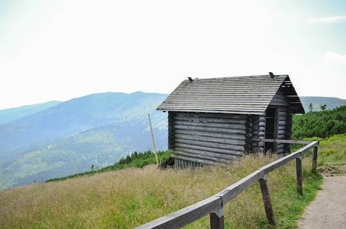 Photos gratuites de champ, cottage, montagnes