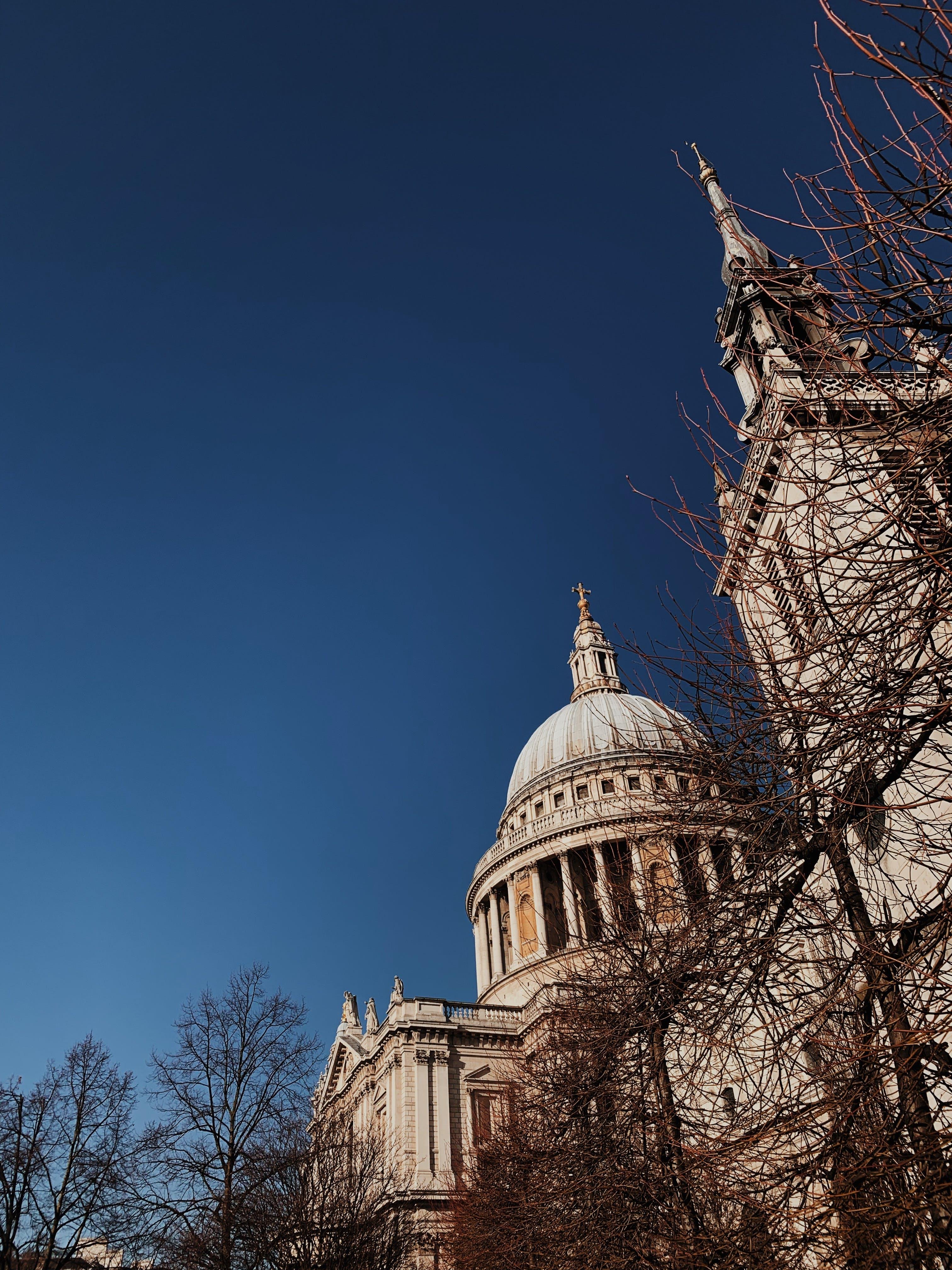 Foto stok gratis agama, Arsitektur, bidikan sudut sempit, fasad