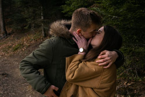 Fotos de stock gratuitas de bosque, chaval, frío, niña
