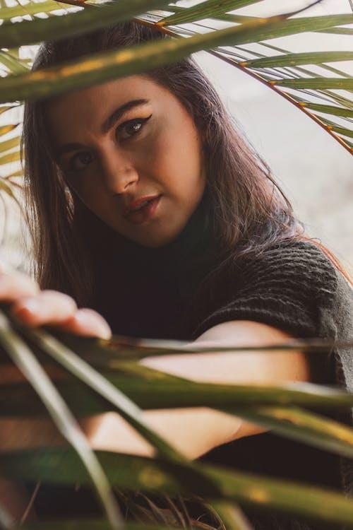 Kostnadsfri bild av ansiktsuttryck, flicka, fotografering, fritid