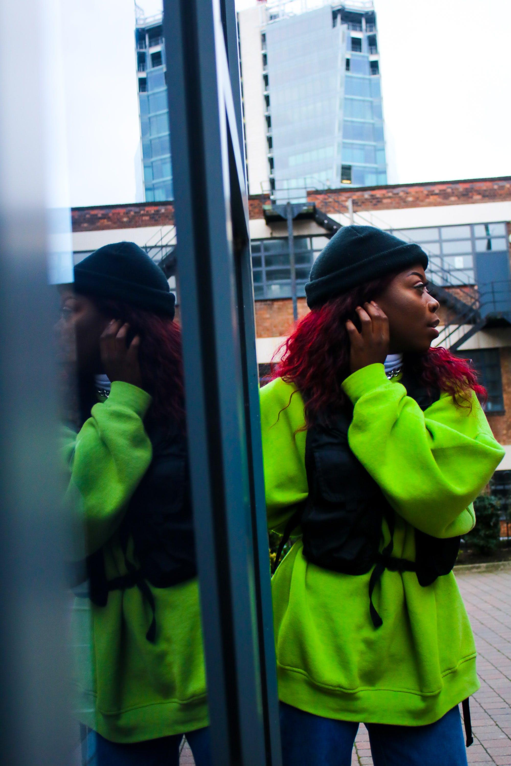 Photos gratuites de mode, reflet, streetwear, vert