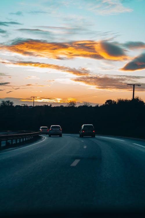 Ingyenes stockfotó aszfalt, autók, autópálya, ég témában