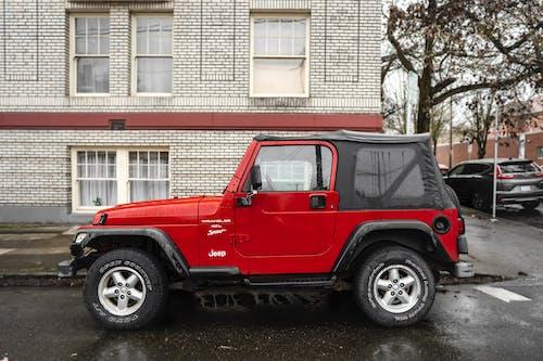 Photos gratuites de jeep, rouge, ville, voiture