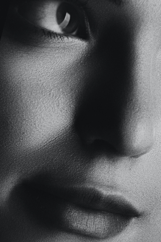 Free stock photo of девушка, Лицо, портрет, черное и белое