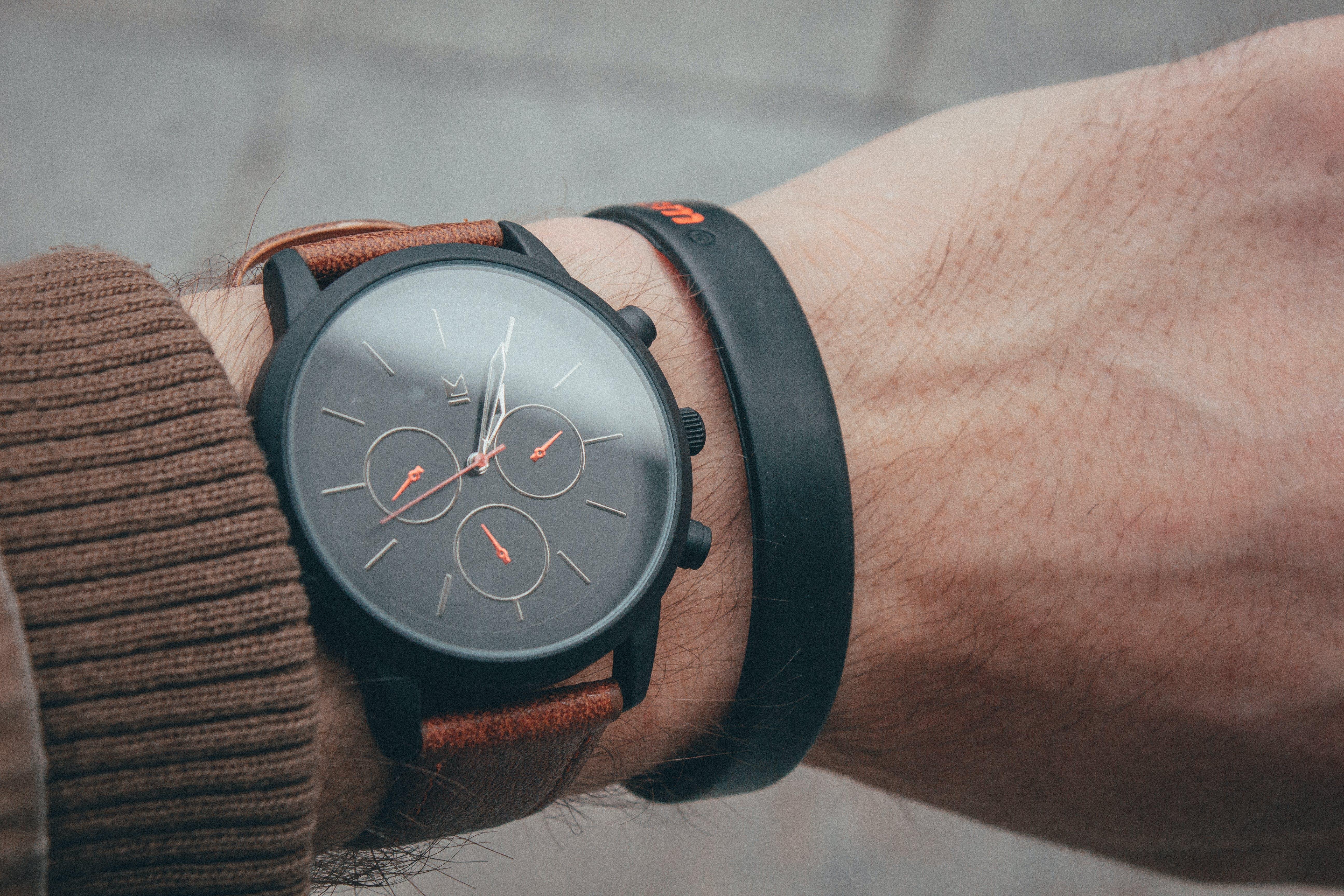 Kostenloses Stock Foto zu analogon, armbanduhr, erwachsener, fashion