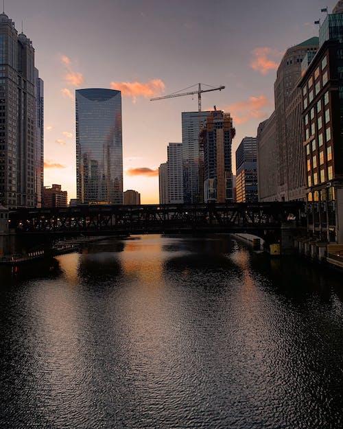 Základová fotografie zdarma na téma chicago, downtown chicago, řeka chicago, západ slunce