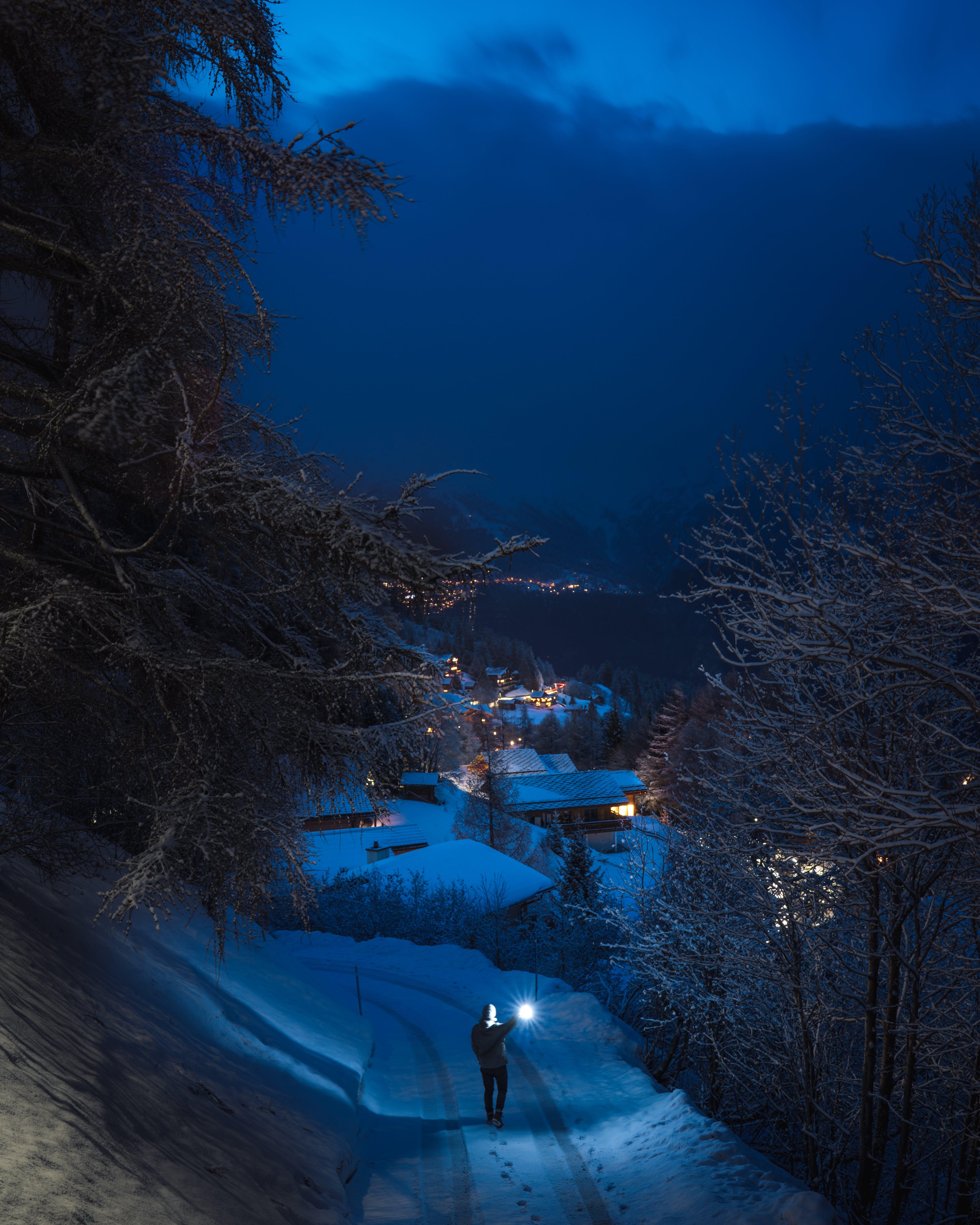 Gratis lagerfoto af aften, bjerge, blå, by