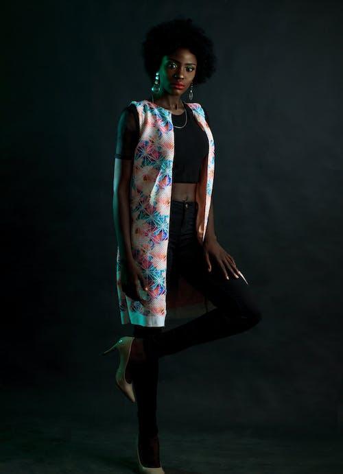 Gratis stockfoto met aantrekkelijk mooi, aantrekkingskracht, afro, Afro-Amerikaanse vrouw
