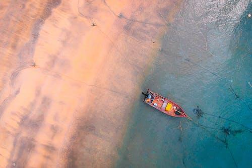 Bovenaanzicht Foto Van Boot Op Waterlichaam