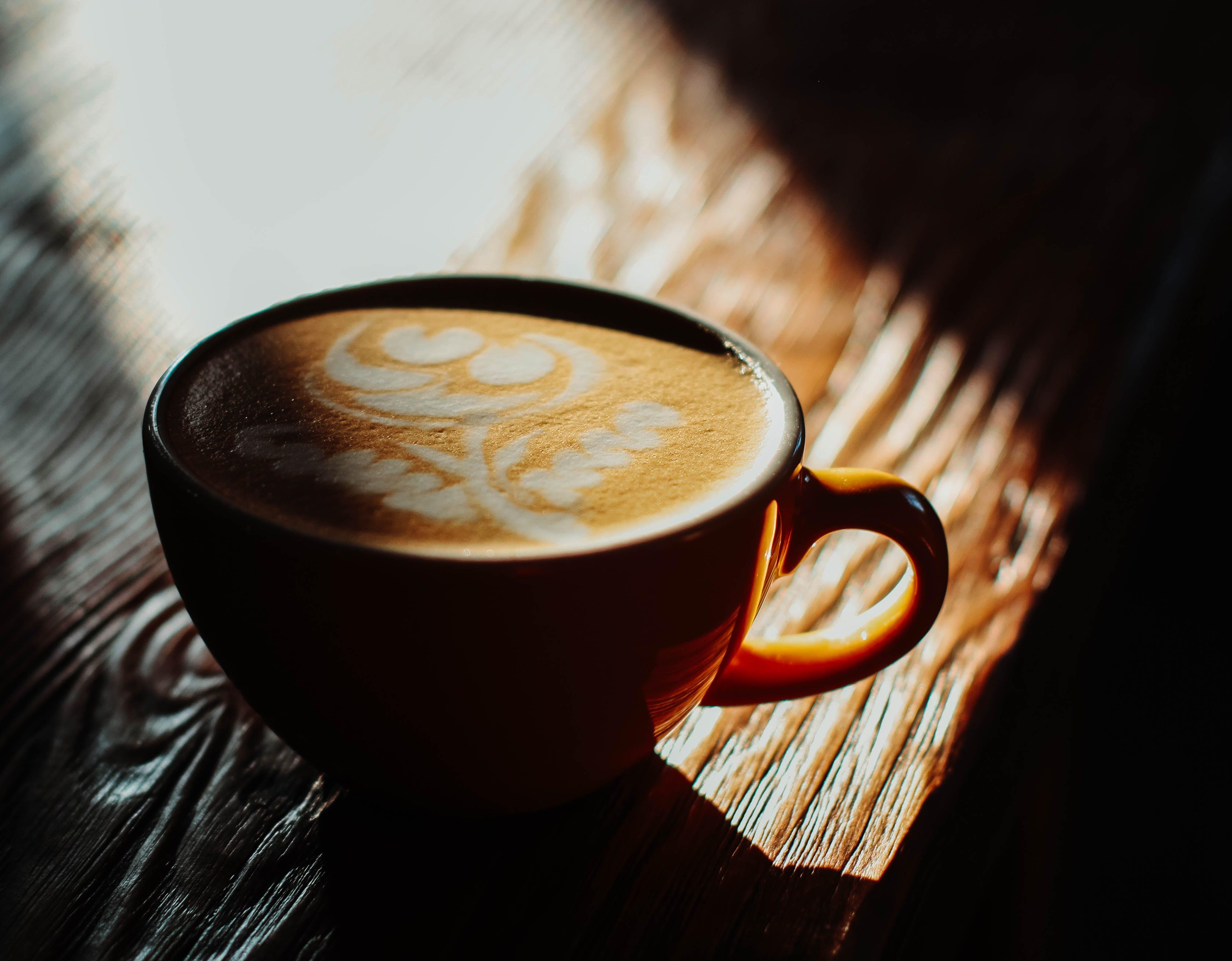 ของ กาแฟ, กาแฟในถ้วย, คาปูชิโน่, คาเฟอีน