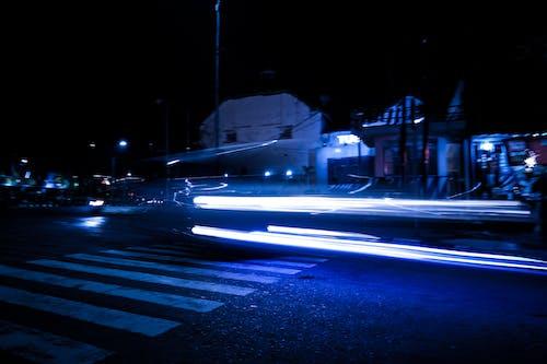 Kostnadsfri bild av billjus, elektriskt ljus, gatubelysning, kallt ljus