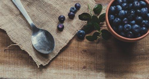 Gratis lagerfoto af bestik, blåbær, Bordservice, bær