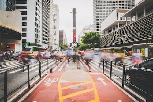 Základová fotografie zdarma na téma architektura, auta, avenida paulista, budovy