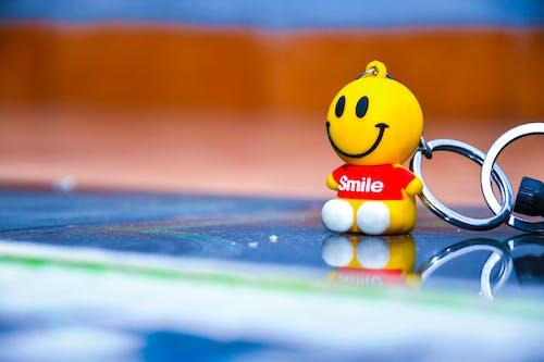 微笑, 笑臉, 車鑰匙, 鑰匙圈 的 免費圖庫相片