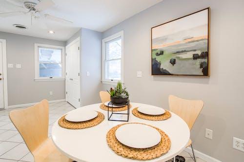 Foto d'estoc gratuïta de apartament, cadires, contemporani, mobiliari