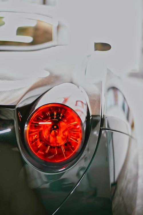 Darmowe zdjęcie z galerii z czarny, czerwony, ferrari, samochód