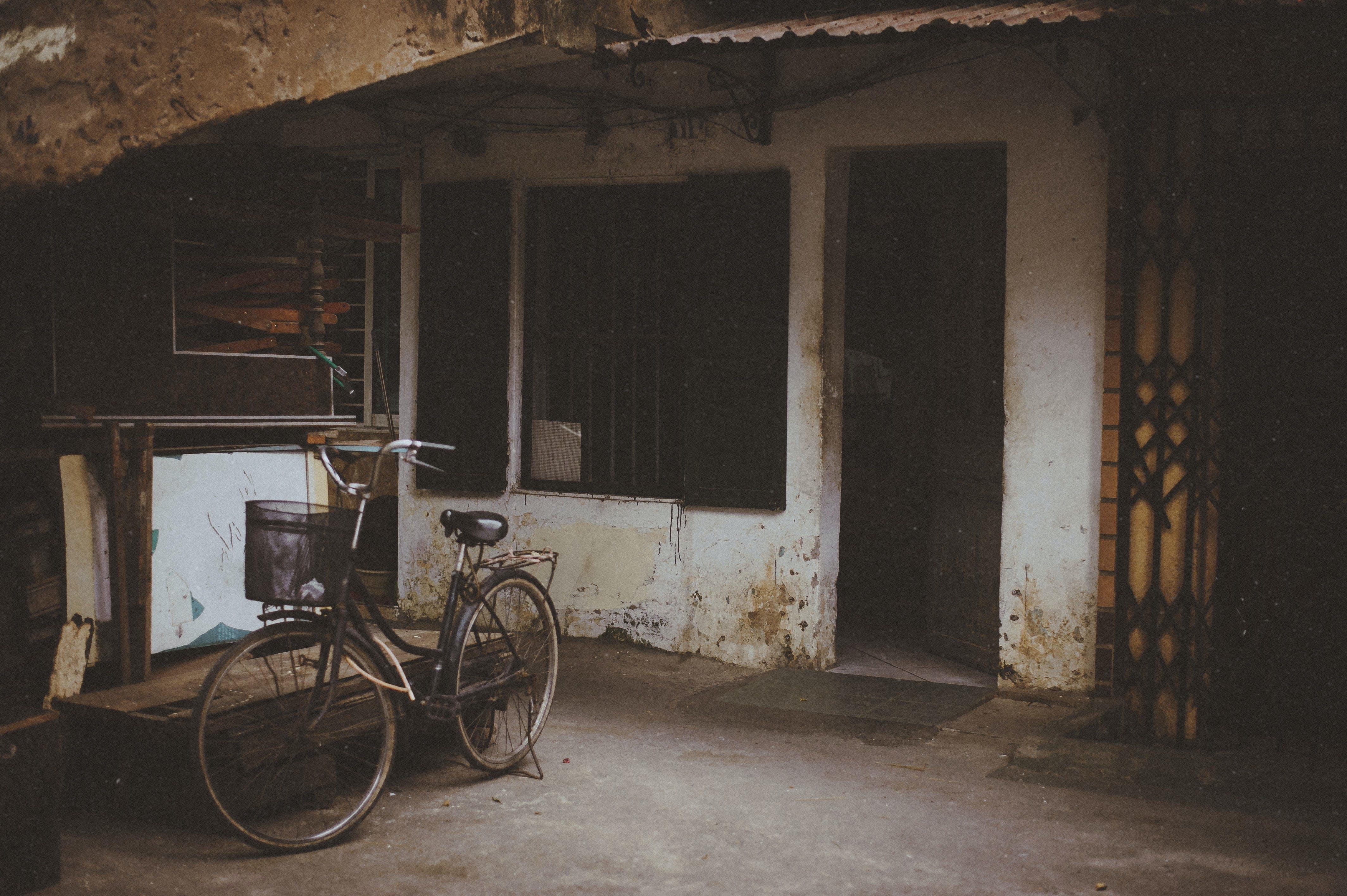 Immagine gratuita di abbandonato, architettura, camera, decadimento