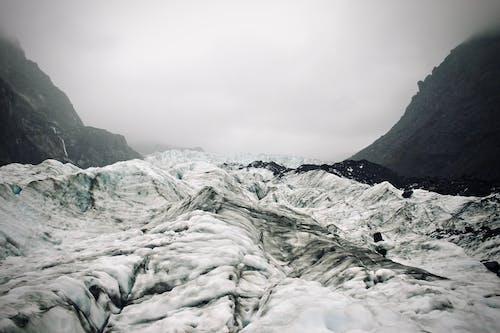 Fotobanka sbezplatnými fotkami na tému chladný, čierna a biela, hory, krajina