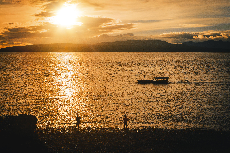 Základová fotografie zdarma na téma člun, krajina, lidé, moře