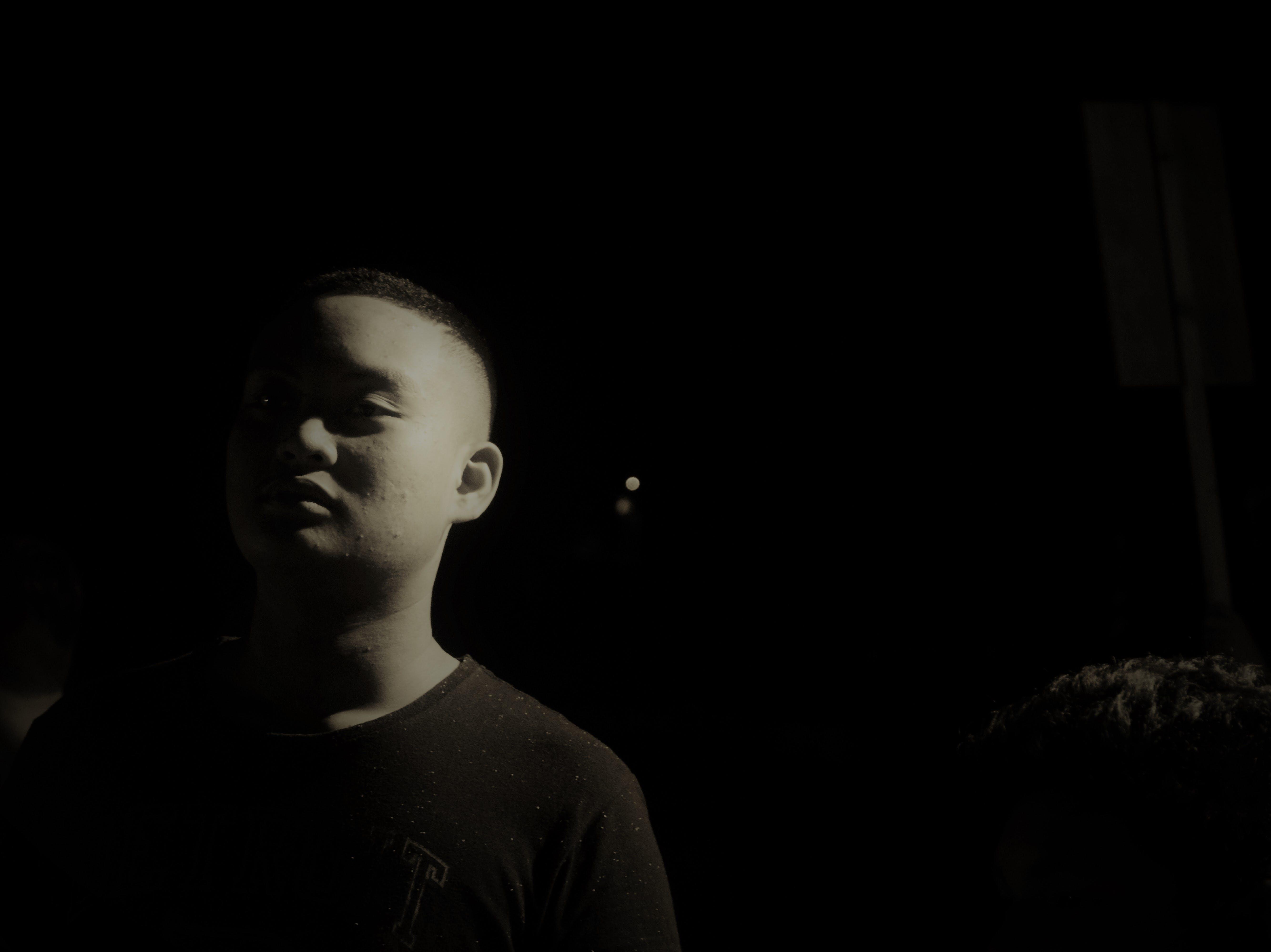 Gratis lagerfoto af mand, mørk, nat, portræt