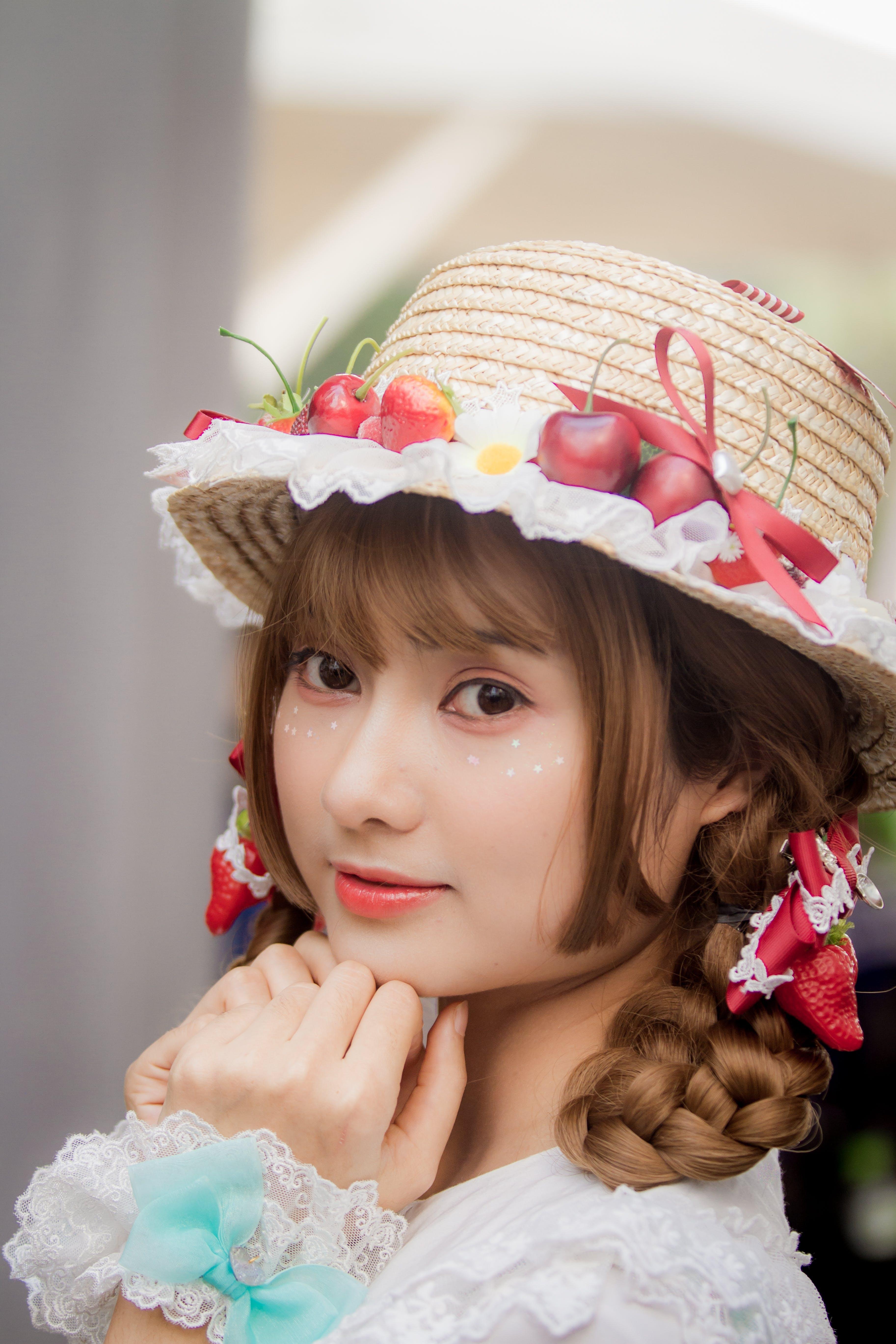 Foto profissional grátis de acessórios para a cabeça, adorável, atraente, beleza
