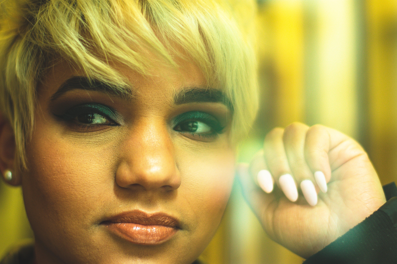 Darmowe zdjęcie z galerii z afroamerykanka, afrykańska kobieta, blond, kobieta
