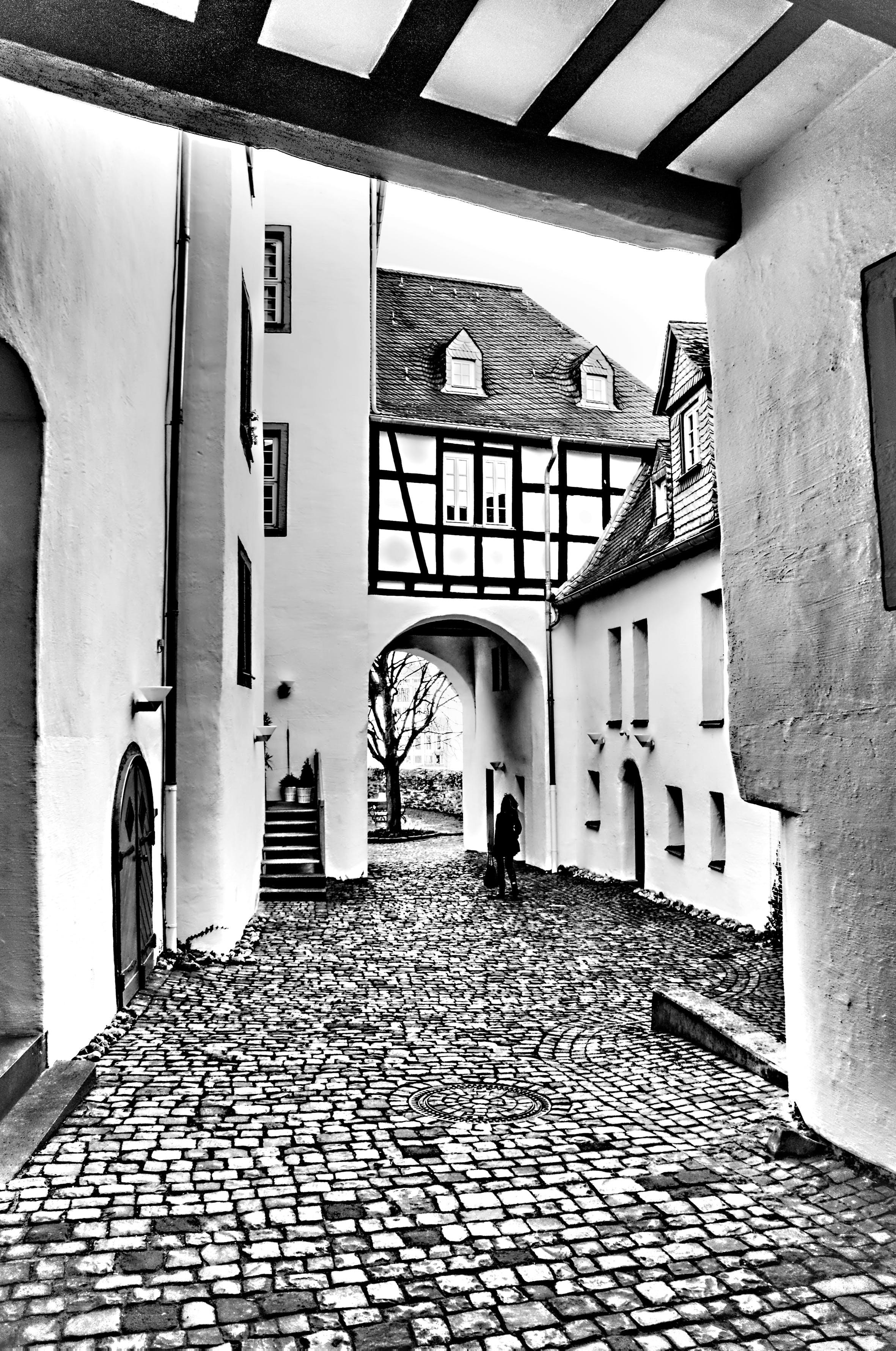 Δωρεάν στοκ φωτογραφιών με ασπρόμαυρο, ιστορικό κέντρο, κλειδαριά, ξύλο