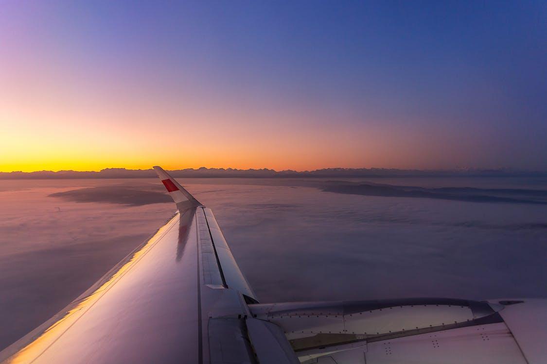 การขนส่ง, การท่องเที่ยว, การบิน