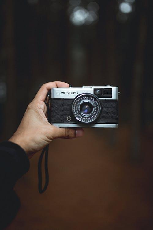 Gratis arkivbilde med analogt kamera, blenderåpning, elektronikk, fokus