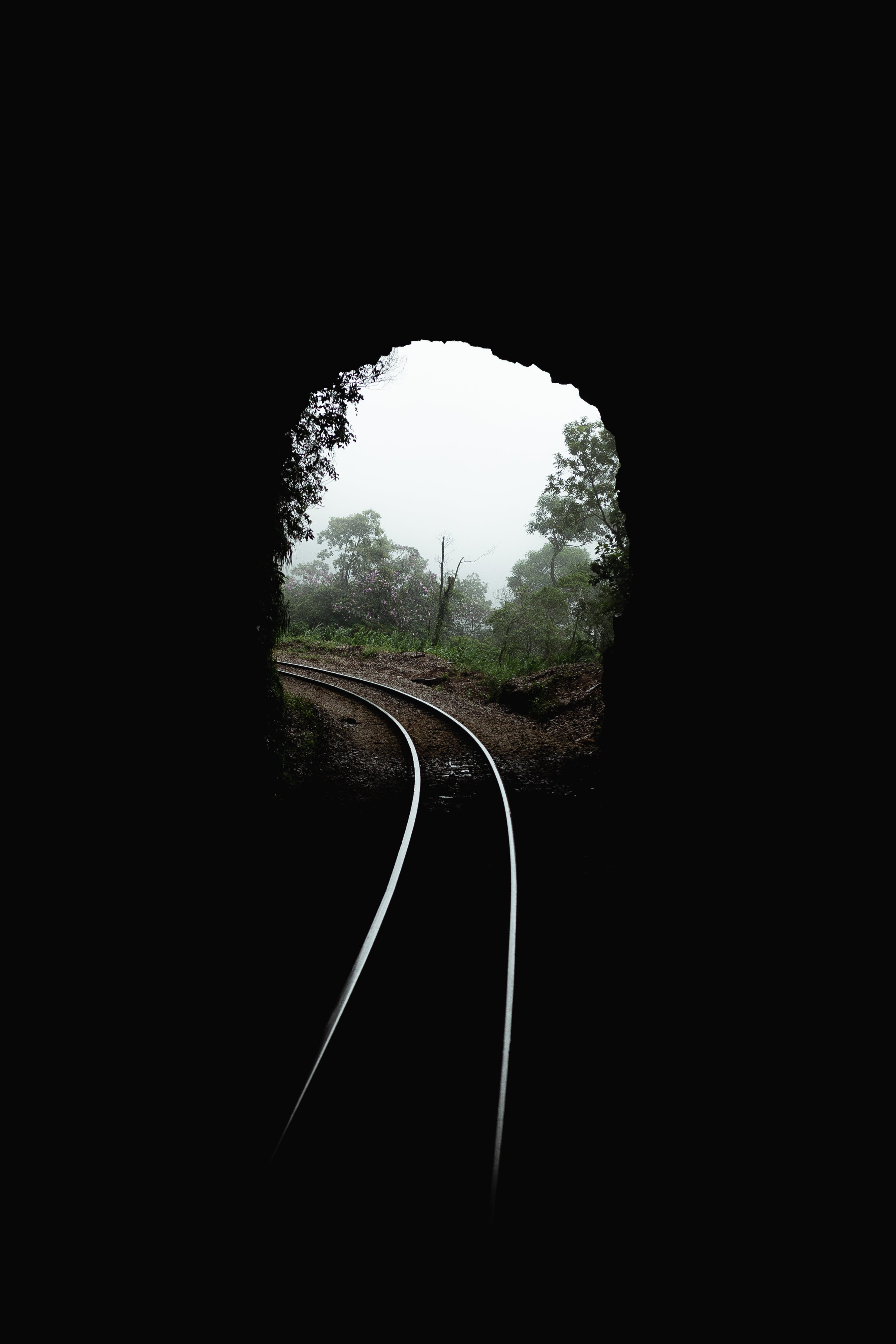 Rail on Tunnel