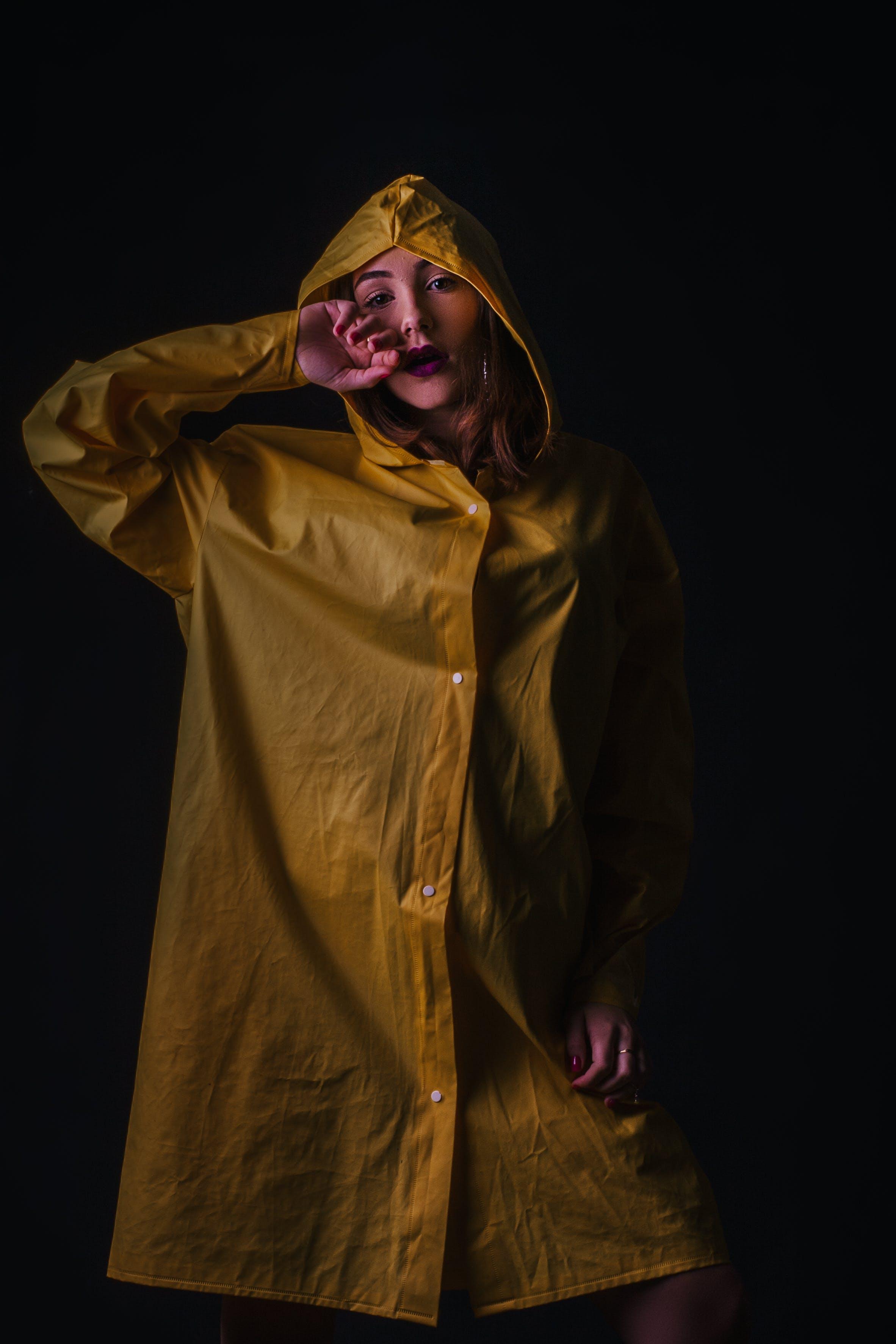 Gratis lagerfoto af fotosession, frakke, gul, kostume