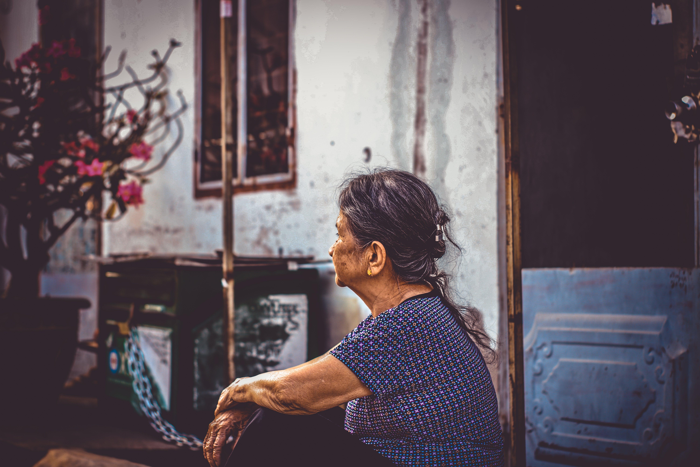 お年寄り, アジア人の女の子, アダルト, ドアの無料の写真素材