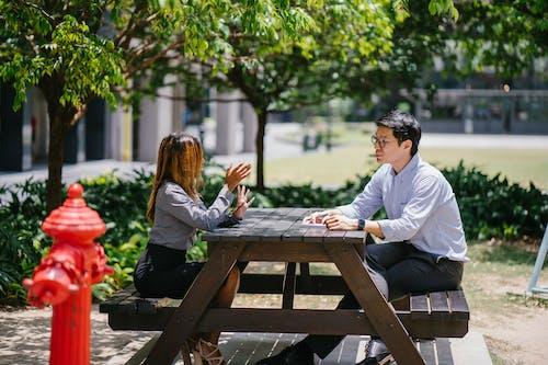 Gratis stockfoto met afspraak, bank, communicatie, conversatie