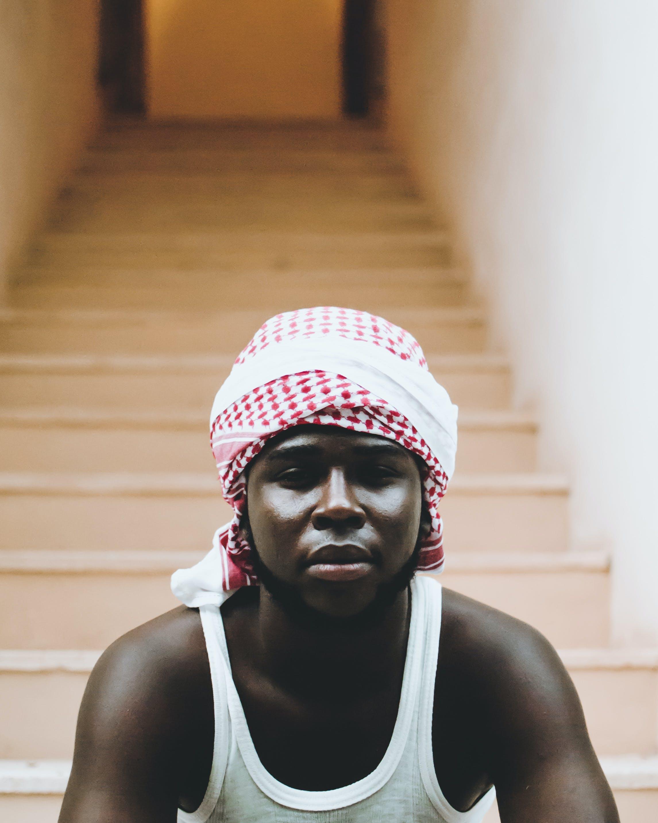 Kostenloses Stock Foto zu afrikanischer mann, afroamerikanischer mann, keffijeh, mann