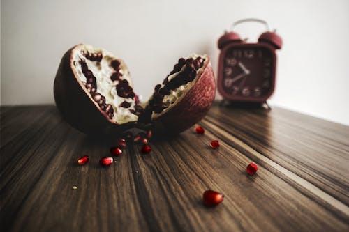Základová fotografie zdarma na téma barva, budík, čas, červená