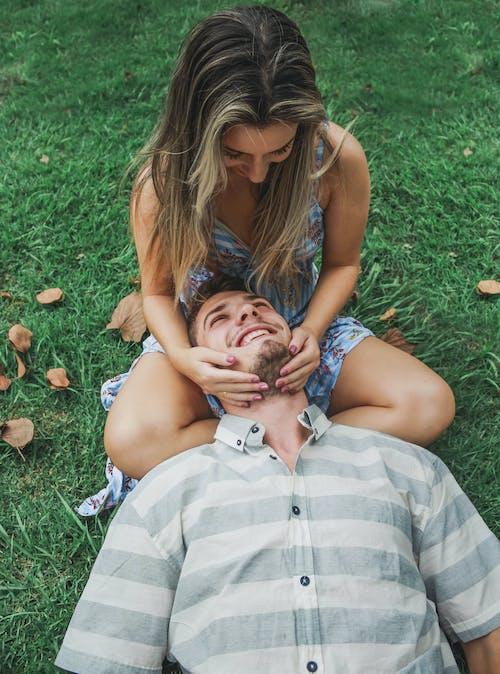 Ảnh lưu trữ miễn phí về cặp vợ chồng, công viên, hạnh phúc, những người