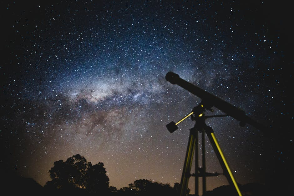 REFLECTING VS REFRACTING TELESCOPES – WHICH IS BETTER?