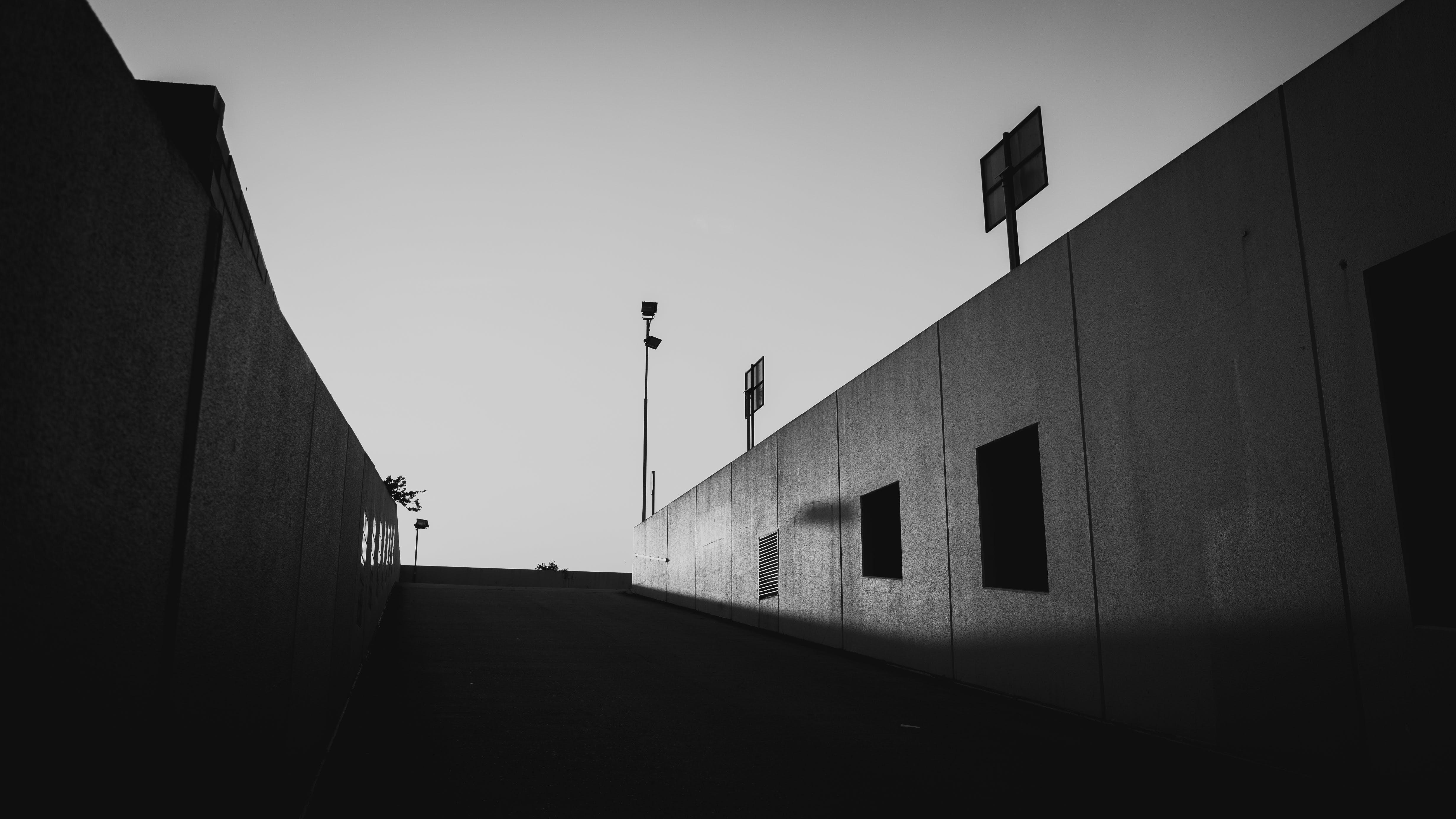 Foto d'estoc gratuïta de alba, arquitectura, capvespre, carrer