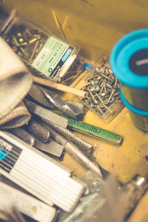 aletler, atölye, bulanıklık, ekipman içeren Ücretsiz stok fotoğraf