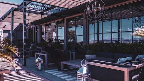 Gratis stockfoto met architectuur, binnenplaats, eigentijds, gebouw