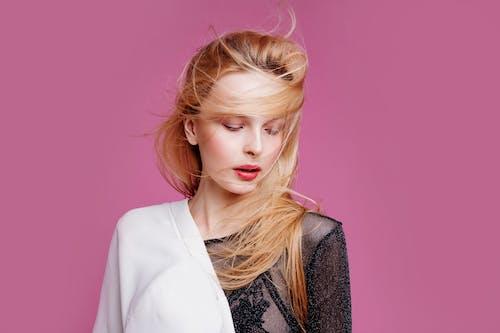 Бесплатное стоковое фото с блондинка, женщина, красивая, красивый